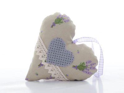 Decorațiune handmade în formă de inimă cu dantelă şi imprimeu lavandă