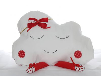 Pernă decorativă handmade Norișor alb cu roșu, Handmade decorative pillow Cloud red with white