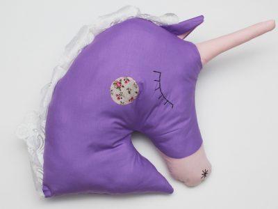 Perna decorativa handmade Purple Unicorn